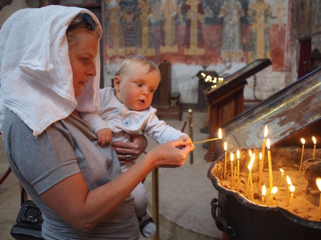 ...i prawosławne monastery (przy okazji – nowe zastosowanie pieluszki tetrowej)