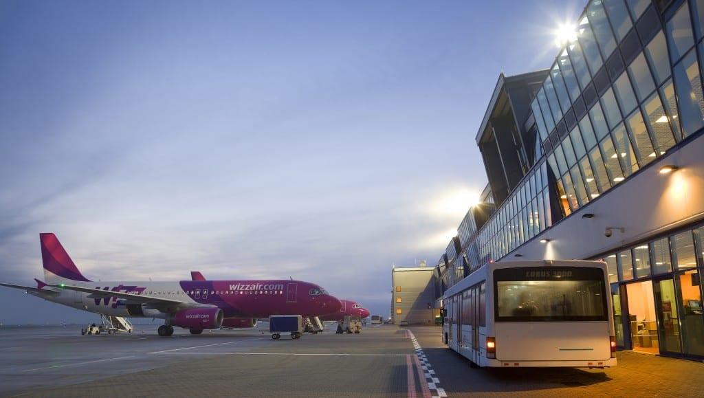 Aircraft_at_Katowice_Airport