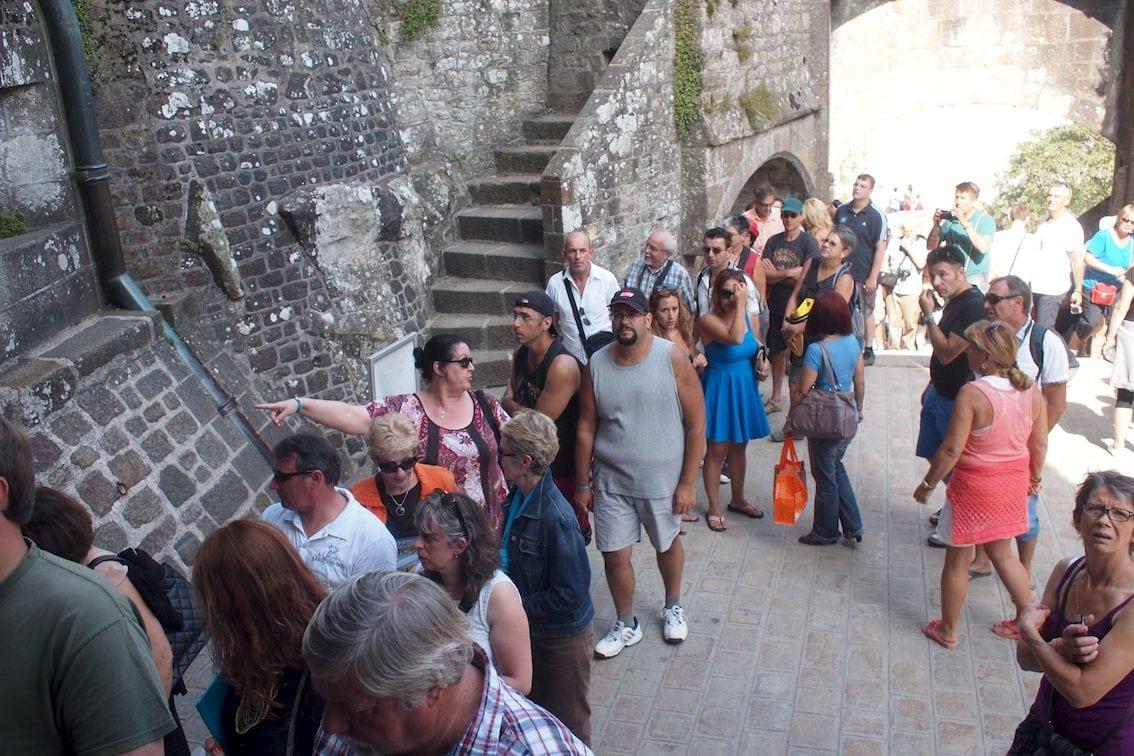 Kolejka grozy ciągnie się aż na schody Grand Degré. Poza sezonem!
