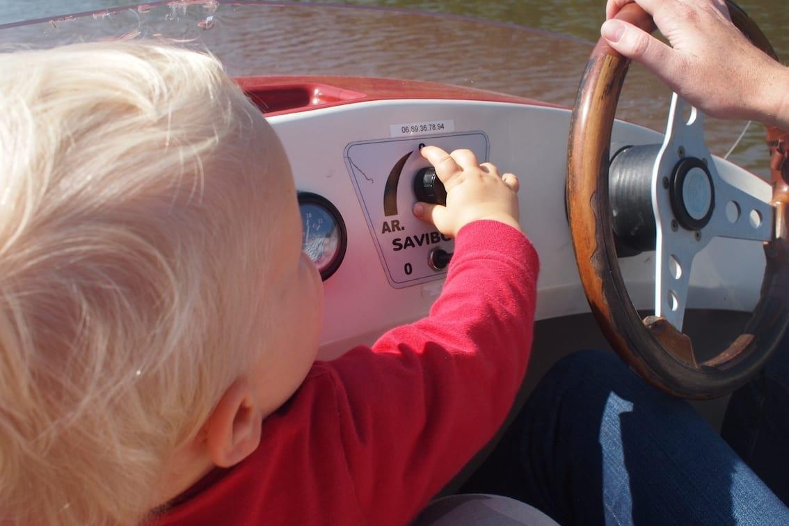Mała łapka szybko dostała się do regulacji prędkości