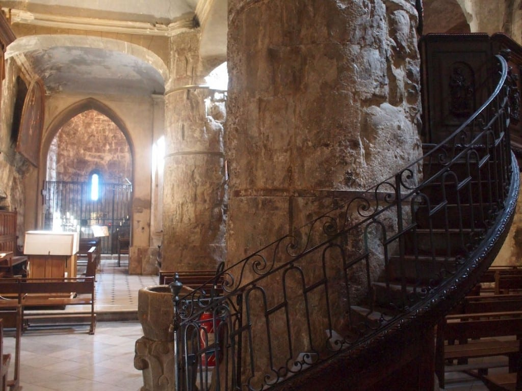 Niezwykła atmosfera w XIII-wiecznym kościele w Grasse.