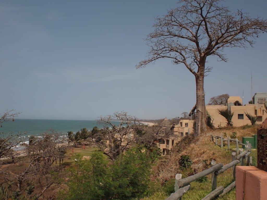 Wybrzeże Atlantyku jest zabudowane hotelami, ale Gambia ma swój styl