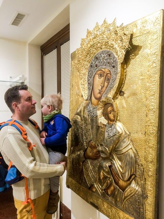 W Muzeum Cerkwii można obcować z niezwykłą sztuką bez szyb i barier.