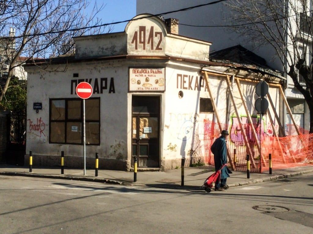 Serbowie nie wyobrażają sobie życia bez chleba. Piekarnie są tu co krok.