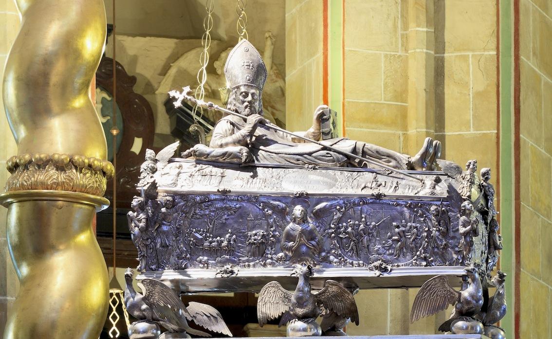 Relikwiarz św. Wojciecha w katedrze gnieźnieńskiej.