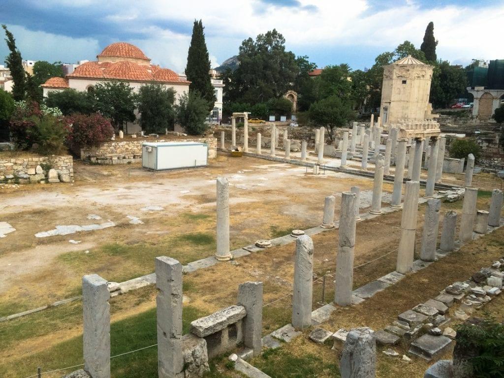 Dawne rzymskie forum z wieżą wiatrów – dawnym zegarem.
