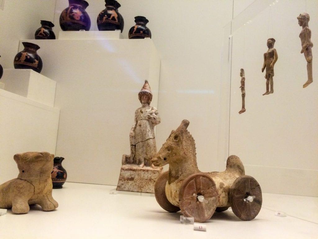 Zabawki dziecięce sprzed trzech tysięcy lat.