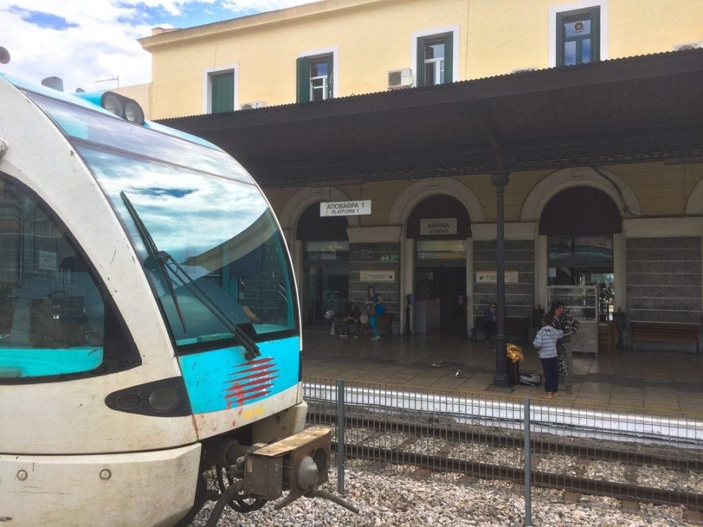 Za chwilę jedziemy pociągiem do Koryntu (albo tylko tak nam się wydaje)