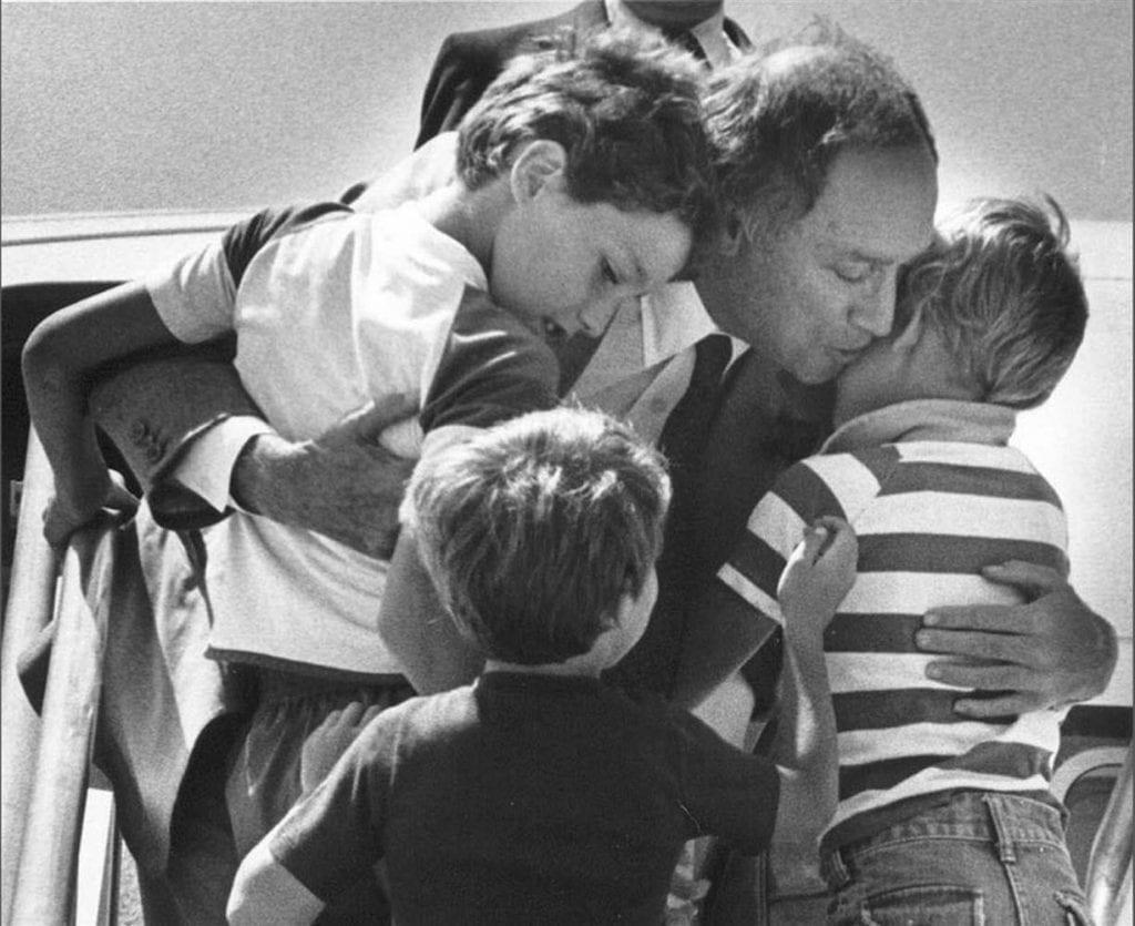 Pierre Trudeau był troskliwym i czułym ojcem dla trójki swoich dzieci.