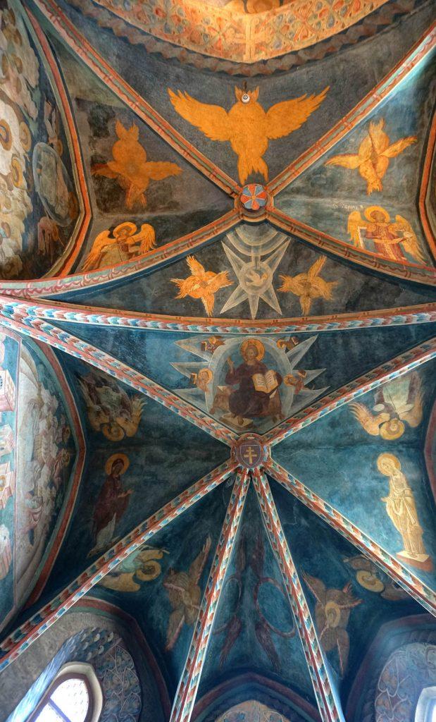Gotyckie freski w bizantyjskim stylu.