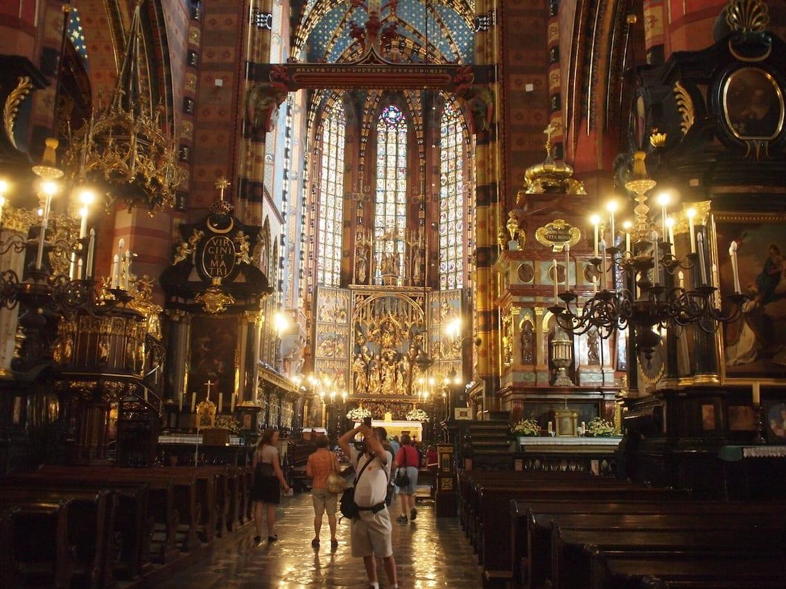 Ołtarz Wita Stwosza w Bazylice Mariackiej to w Krakowie najbardziej znane dzieło sztuki zaraz po Damie z Łasiczką