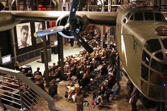 Naturalnej wielkości samolot Liberator to atrakcja dla najmłodszych turystów.