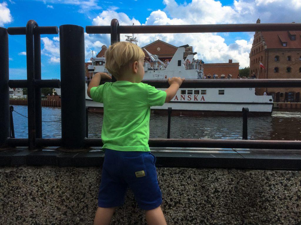 Obserwacja statków na Motławie