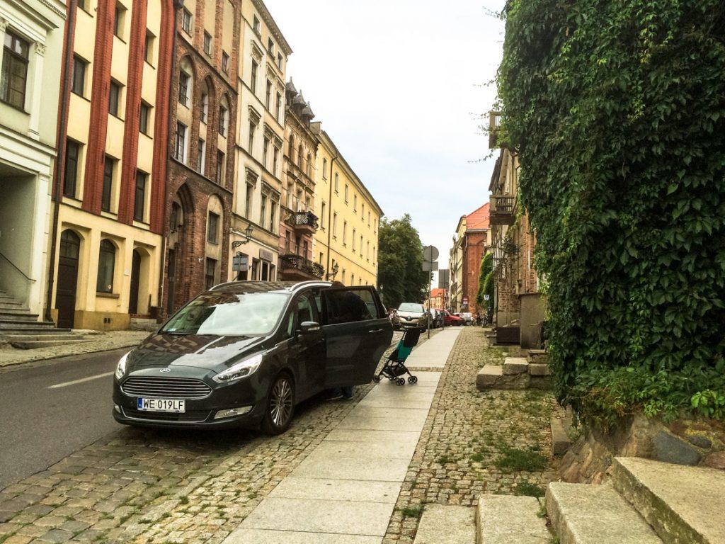 Parkujemy na starówce.