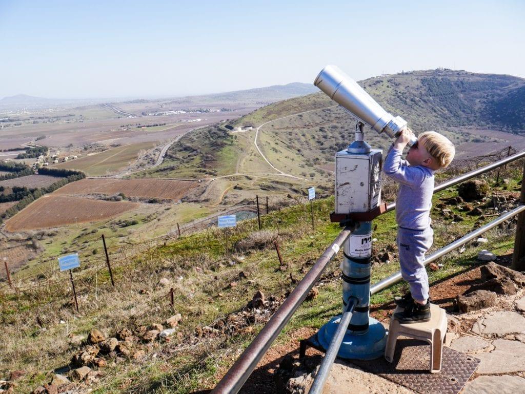 Na Wzgórzach Golan Wili spogląda na ogarniętą wojną Syrię. Czy Izrael jest bezpieczny z tej odległości?