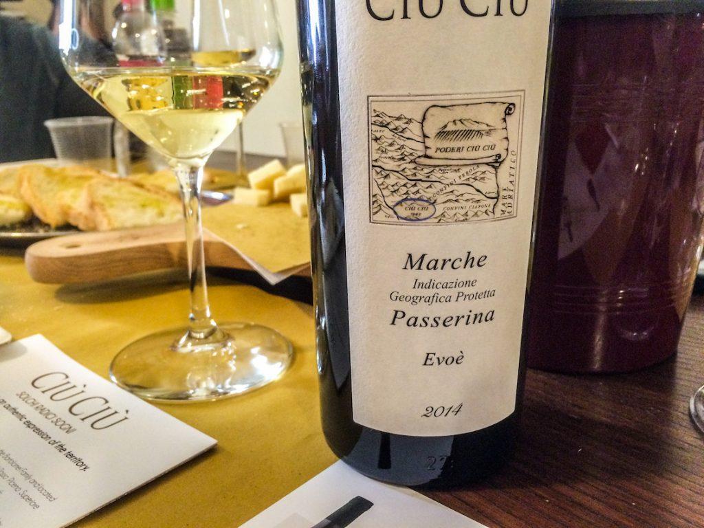 Włoska kuchnia nie obejdzie się bez lokalnego wina.
