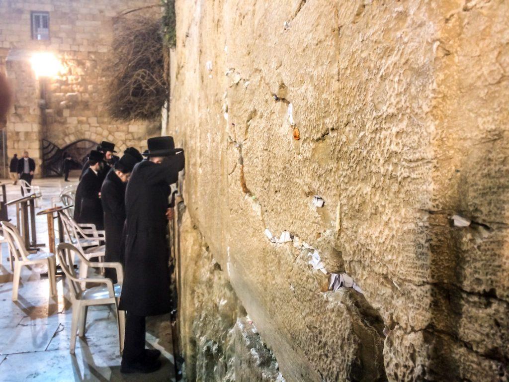 Pozostałości dawnego muru otaczającego Świątynię Salomona, czyli Ściana Płaczu.