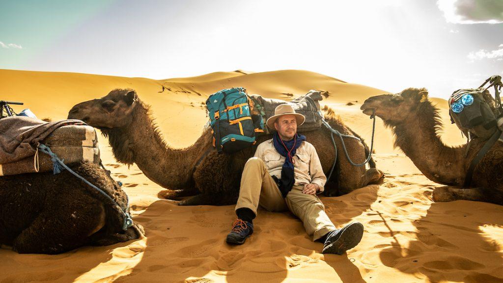 Plecak Decathlon na Saharze – przydatny i poręczny.