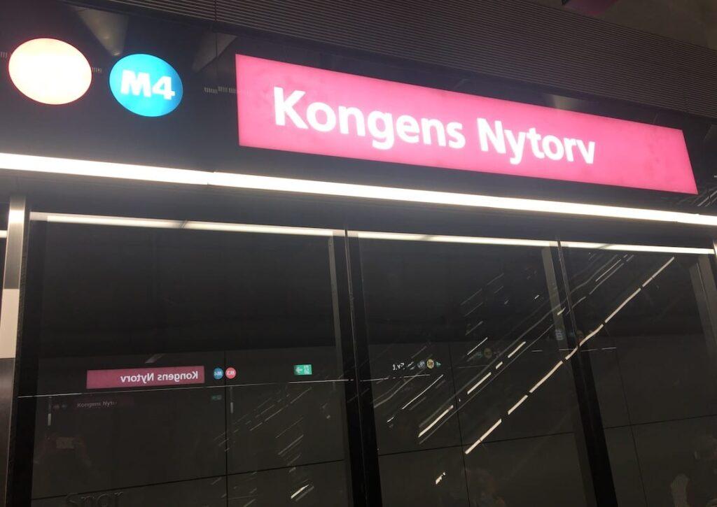 Kopenhaga, komunikacja miejska, stacja Kongens Nytorv.