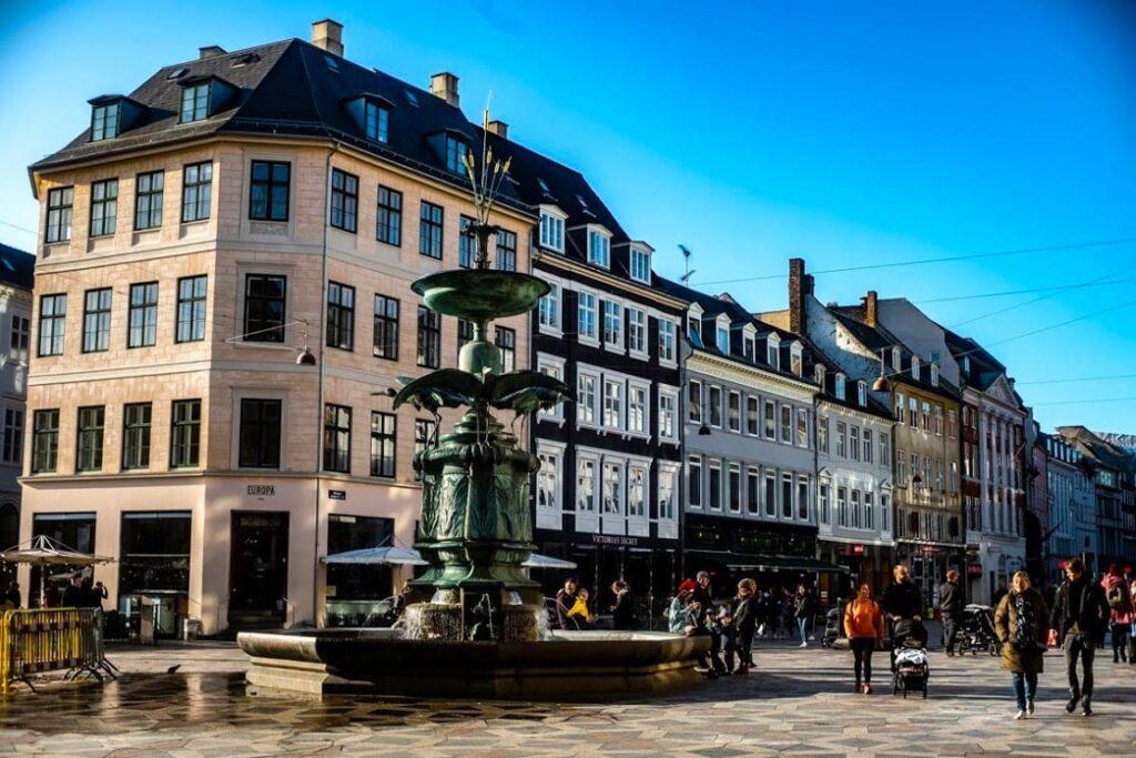 Street, Kopenhaga, to najdłuższy deptak w Europie.