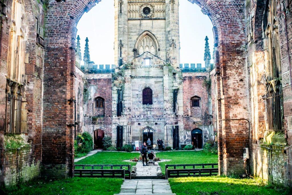 zbombardowany kościół, liverpool