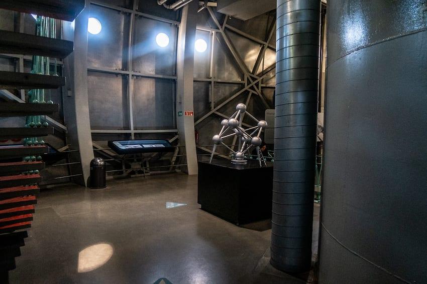 Jak wygląda wnętrze Atomium