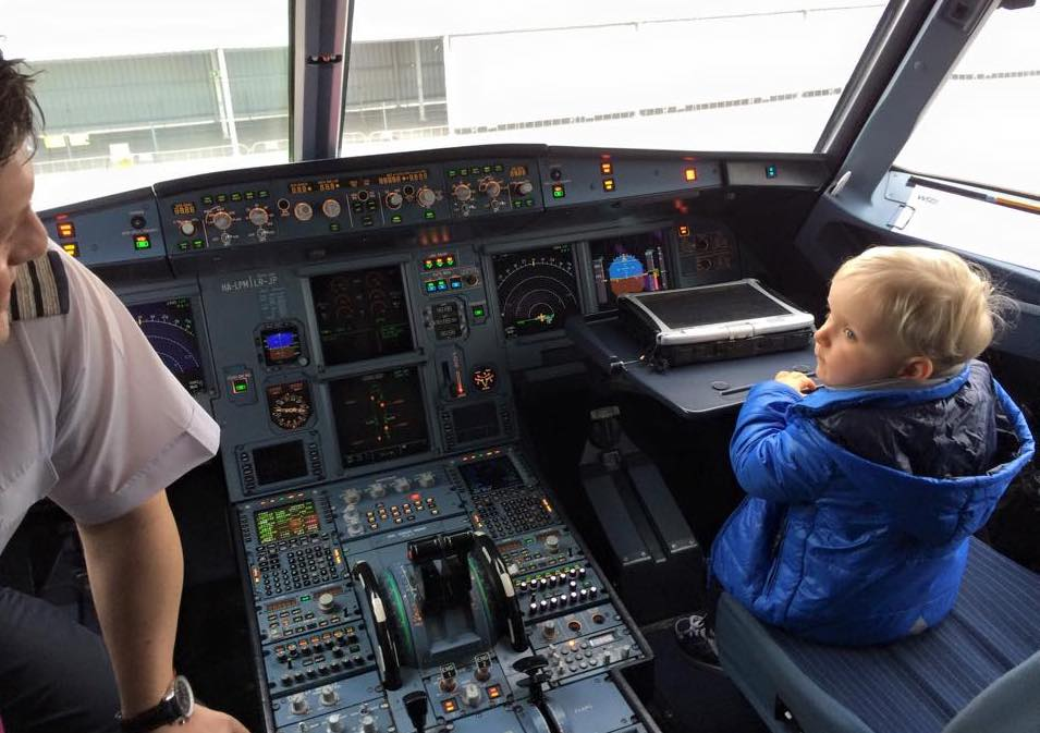 Budapeszt, Wilhelm Pinkwart w kabinie samolotu Wizz Air