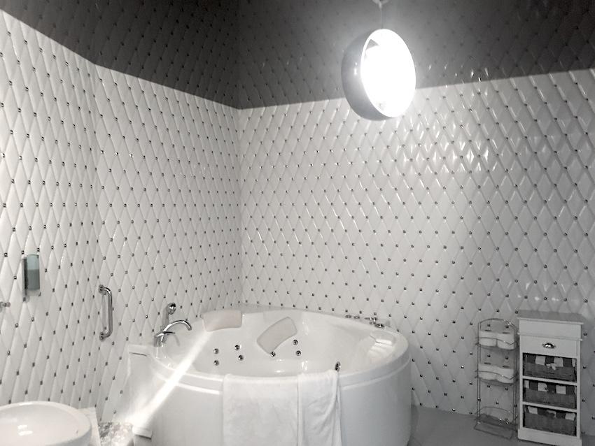 hotel lenart apartament biały
