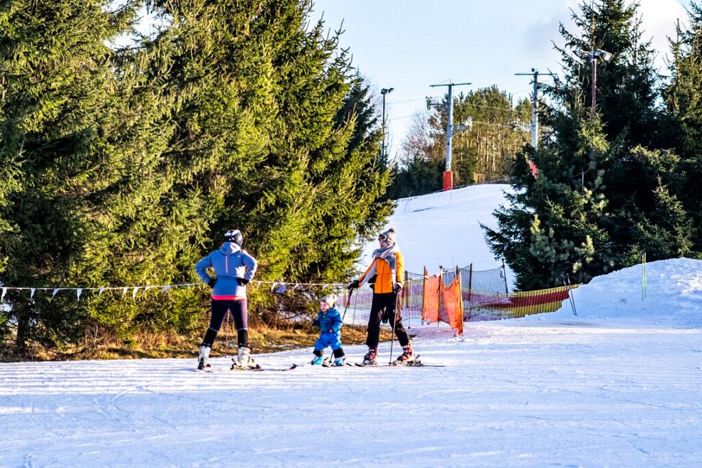 szkółka narciarska sabat krajno